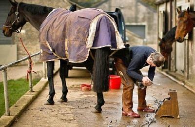 Кузнец и конь