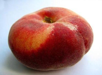 Красный персик