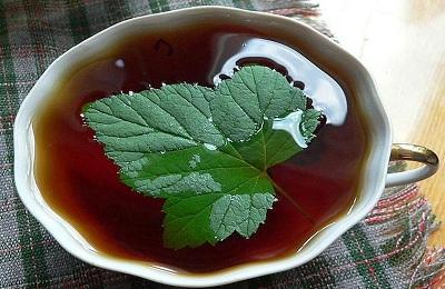 Чай с листьями